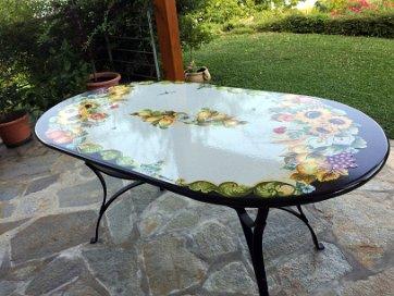 Tavoli Da Giardino In Pietra Lavica.Tavoli In Pietra Lavica Ceramiche Valchida