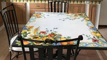 Tavoli Da Giardino Ceramica Caltagirone.Tavoli In Pietra Lavica Ceramiche Valchida